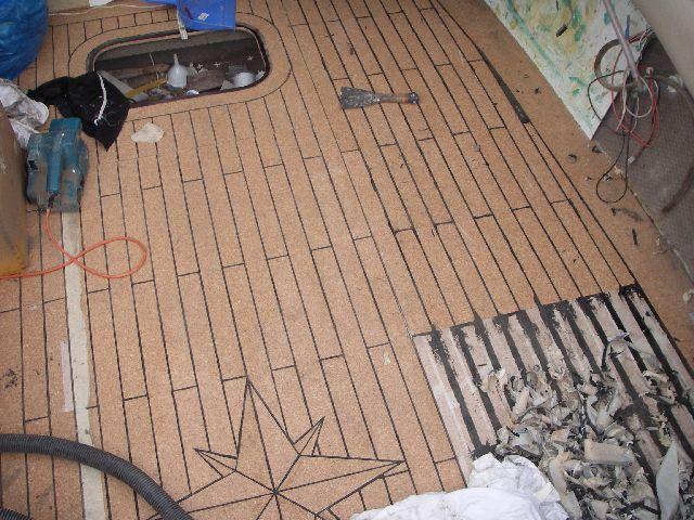 bootsboden aus kork raus mit dem teppich boote das forum rund um boote. Black Bedroom Furniture Sets. Home Design Ideas